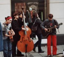 Musik zum Ostermarsch - Foto:wildwuxx.de